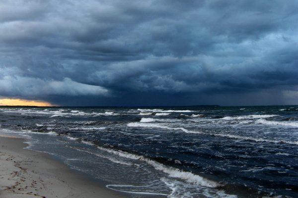 beach-storm-wallpapers